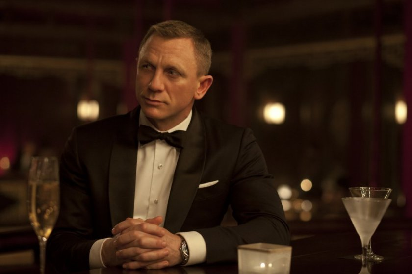 One of the 10 ways to be irresistible to women is to be a bit like James Bond